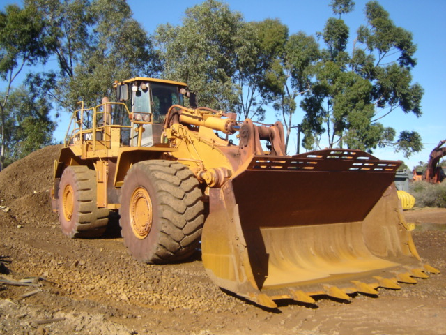 Caterpillar 988H Loader     EC8